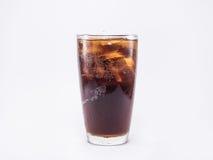 Miękki napój jest chłodno z kostkami lodu w pełnym szkle Fotografia Royalty Free