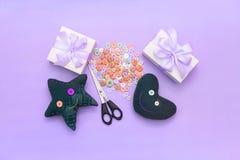 Miękkie handmade zabawki Materiały dla artystycznych guzików, nożyce, zabawki gwiazda Zdjęcie Royalty Free