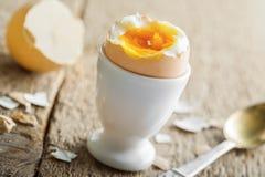 Miękkiej części gotowany jajeczny śniadanie Zdjęcia Stock