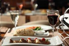 Mięsne piłki w Luksusowej restauraci obraz stock