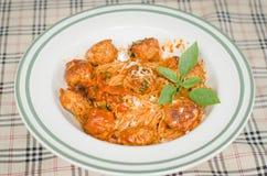 Mięsnej piłki spaghetti z serem Zdjęcia Stock