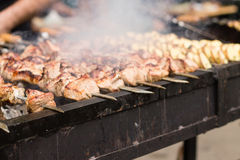Mięso i grula na grillu obrazy royalty free