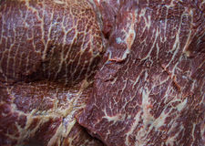 Mięso jest wykładającym marmurem wołowiną Fotografia Stock