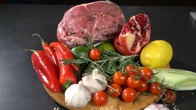 Mięso z warzywami i owoc swobodny ruch zbiory