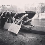 Miłość blokujący puszek, Paryż, Europa Fotografia Stock