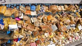 Miłość kłódki na Pont des sztukach paris Francja Obraz Royalty Free