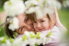 Miłość - matka z dzieckiem Fotografia Royalty Free