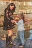 Miłość między matką i córką zdjęcia stock