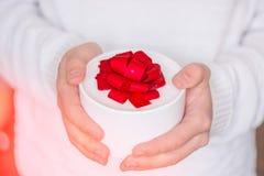 Miłość Prezent dla ciebie akwareli ręk ilustracyjne mężczyzna farby papieru akwarele biały zdjęcia royalty free