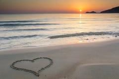 Miłość przy wschodem słońca Zdjęcia Royalty Free