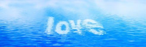 Miłość tekst w czystych wod fala Sztandar, panorama Zdjęcia Royalty Free