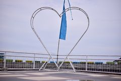 Miłości ikona w jawnym parku obrazy royalty free