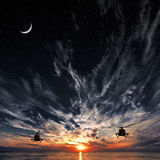 Mi-8 вертолеты, теплый заход солнца, заход солнца Стоковое фото RF