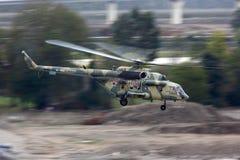 Mi-8AMTSH RF-95181 der russischen Luftwaffe entfernend in Sochi-Adle Lizenzfreie Stockfotografie