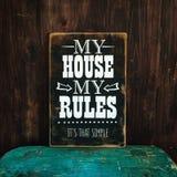 Mi casa mi muestra de la pared de las reglas Imágenes de archivo libres de regalías