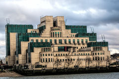 MI6 de bouw, Londen, Engeland Stock Afbeeldingen