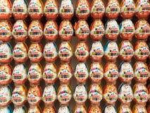Miłej niespodzianki Czekoladowi jajka Zdjęcia Royalty Free