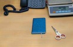 Mi escritorio en el llano del trabajo y simple, Fotos de archivo libres de regalías