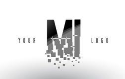 MI M I Pixel Letter Logo com quadrados pretos quebrados Digitas Imagens de Stock