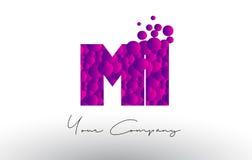 MI M mim Dots Letter Logo com textura roxa das bolhas Imagem de Stock Royalty Free