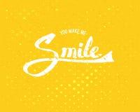Mi rendete il concetto di sorriso su fondo giallo Fotografia Stock