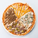 Mięsna pizza na lekkim tle Obraz Royalty Free