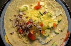 Mięsnego taco obiadowy talerz na kuchennym stole Fotografia Royalty Free