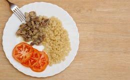 mięsny makaronu talerza plasterków gulaszu pomidor Zdjęcia Royalty Free