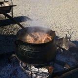 Mięso w Caldron przy Muestras Gastronomicas 2016 w Achao, Chile Zdjęcie Stock