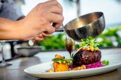 Mięso z grulami i asparagusem Obraz Stock
