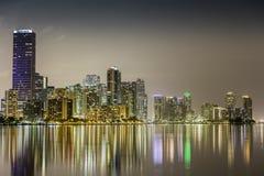 Miami śródmieście przy nocą fotografia royalty free