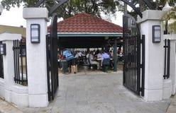 Miami, am 9. August: Kleine Havana Community Domino Park von Miami in Florida USA lizenzfreie stockfotos