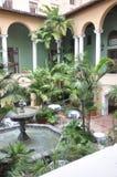 Miami august 9th: Borggård för hotell Biltmore & klubbhusfrån Coral Gables av Miami i Florida USA Arkivfoton
