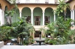 Miami august 9th: Borggård för hotell Biltmore & klubbhusfrån Coral Gables av Miami i Florida USA Royaltyfri Foto
