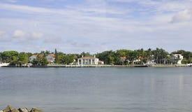 Miami Beach FL, am 9. August: Venetianische Insel vom Miami Beach in Florida Stockfotos