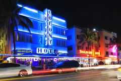 Miami Beach, Ocean Drive art deco hotels by night Stock Photography
