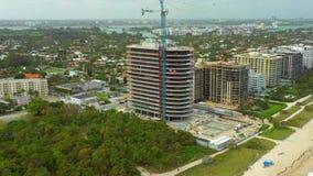 Miami Beach video a?reo 4k Desarrollo de la construcción de un highrise frente al mar metrajes