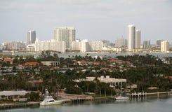 Miami durch das Wasser Stockbilder