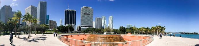 MIAMI - FEBRUARI 2016: Panoramautsikt av i stadens centrum Miami på en bea Arkivfoton