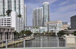 Miami FL, Augusti 09.: I stadens centrum Miami horisont från Miami i Florida USA Arkivfoto