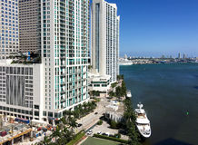 MIAMI FL - FEBRUARI 2016: Panoramautsikt av centret Miami att Royaltyfri Fotografi
