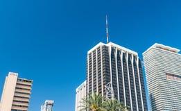 MIAMI FL - FEBRUARI 23, 2016: Stadsgator på en härlig dag Royaltyfria Bilder