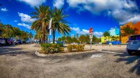 MIAMI FL, KWIECIEŃ, - 11, 2018: Parking dżungli wyspa od movin zdjęcia royalty free