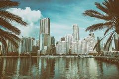 MIAMI FL, MARZEC, - 31, 2018: Nowożytni budynki w śródmieściu od Br obraz stock