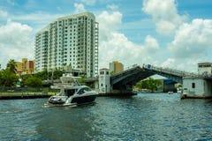 Miami flodCityscape Fotografering för Bildbyråer
