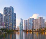 Miami Florida, Brickell och i stadens centrum finansiella byggnader Arkivbilder