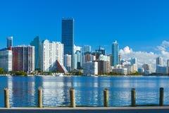 Miami Florida, Brickell und im Stadtzentrum gelegene Finanzgebäude stockfotos