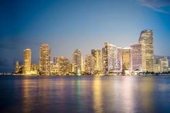 Miami Florida horisont och fjärd och reflexioner Royaltyfri Foto
