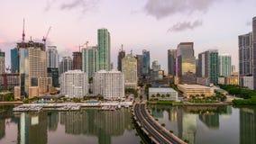 Miami, Florida, orizzonte della baia di U.S.A. Biscayne archivi video