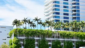 Free Miami Florida Usa Three Story Parking Palms Roof Royalty Free Stock Photography - 161734537